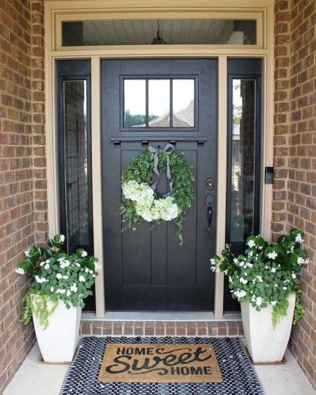 Screened Porch And Garage Oasis: Creative Front Door Flowers Pot Ideas 46
