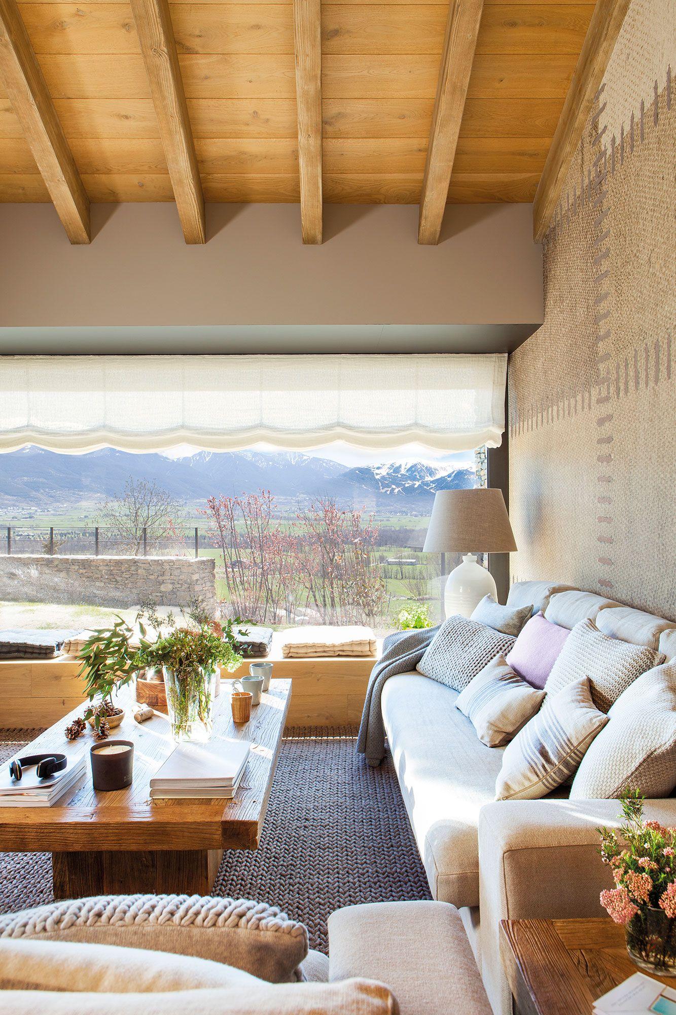 Un gran ventanal con vistas en 2019 decoracion salas for Decoracion de casas acogedoras