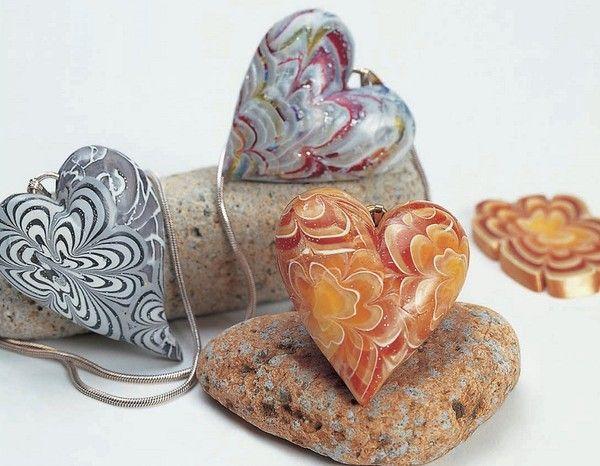 Tạo mặt chuyền trái tim với hoa văn tinh tế, sắc nét truyền cảm xúc yêu thương - Đồ handmade đẹp http://dohandmadedep.com/tao-mat-truyen-trai-tim-voi-hoa-van-tinh-te-sac-net-truyen-cam-xuc-yeu-thuong/