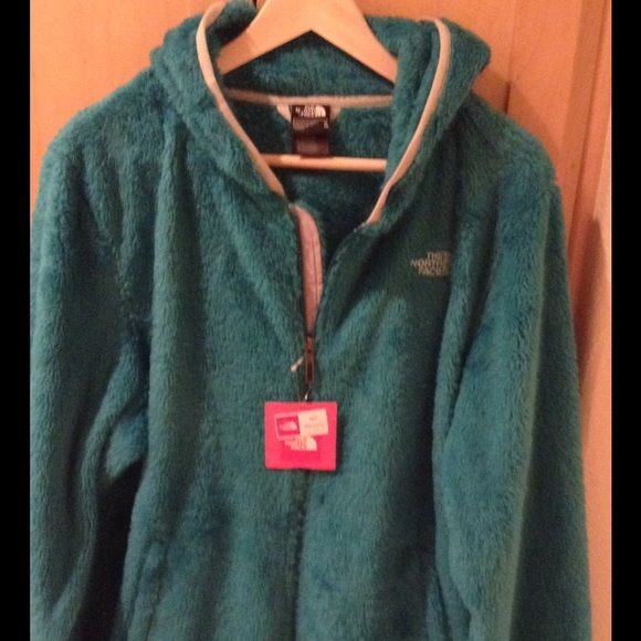 NWT the north face women's Veranda Hoodie-XL Brand new in fanfare green color in size XL.  Price is firm. The North Face Tops Sweatshirts & Hoodies