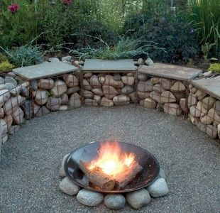 Curved gabion boulders and gabion for Curved garden wall ideas