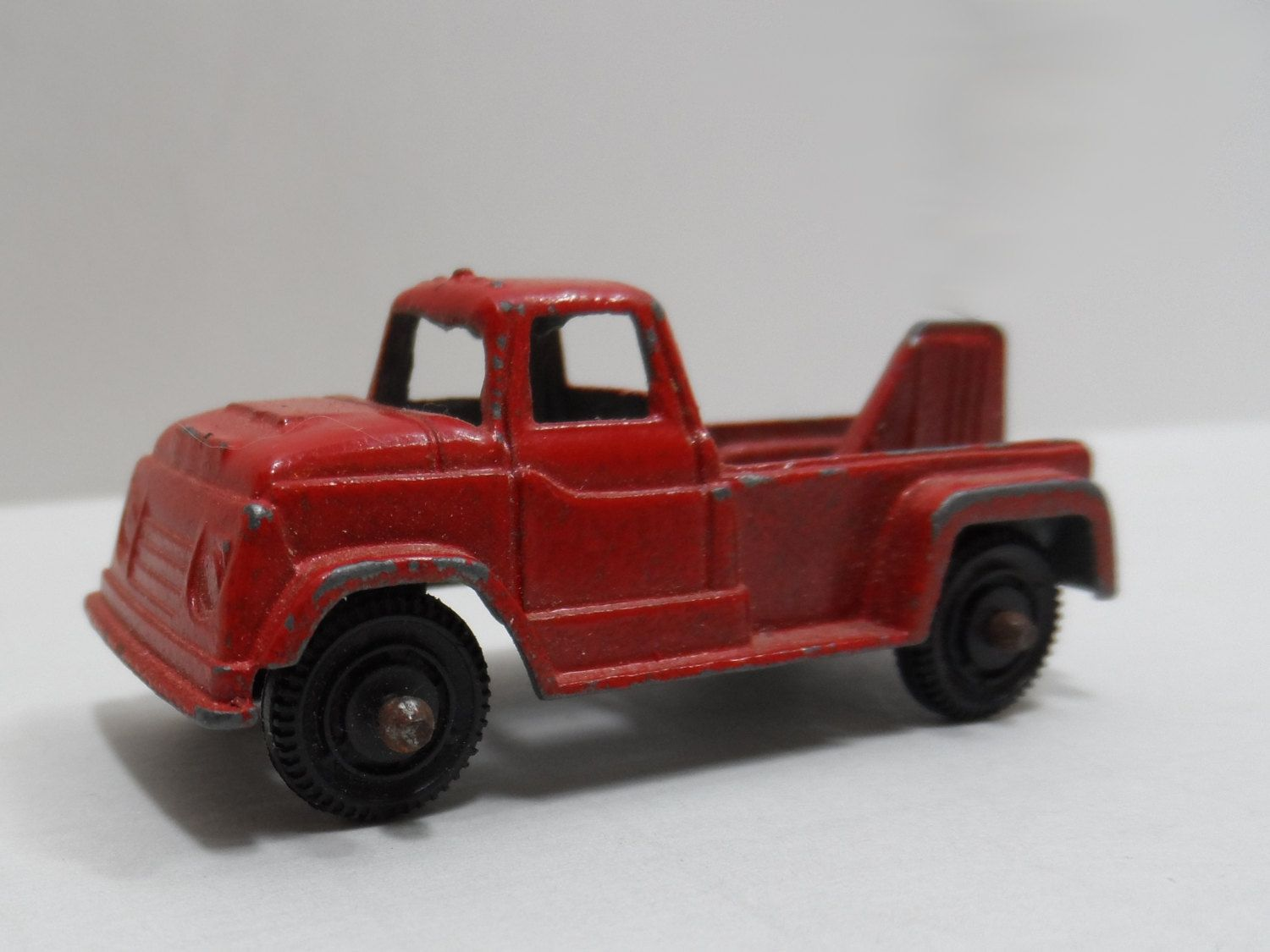 GMC Tootsietoy Wrecker Pickup Metal Die Cast Scale Model