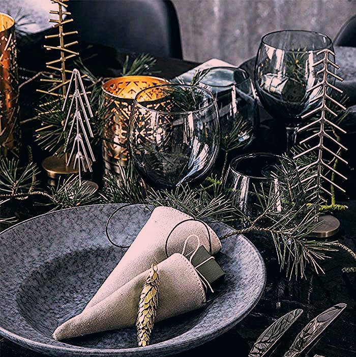 Christmas Decorating Trends 2019 / 2020 – Colors, Designs and Ideas - InteriorZine #housedecor #weihnachtsdeko2019trend Christmas Decorating Trends 2019 / 2020 – Colors, Designs and Ideas - InteriorZine #housedecor #weihnachtsdeko2019trend Christmas Decorating Trends 2019 / 2020 – Colors, Designs and Ideas - InteriorZine #housedecor #weihnachtsdeko2019trend Christmas Decorating Trends 2019 / 2020 – Colors, Designs and Ideas - InteriorZine #housedecor #weihnachtsdeko2019trend