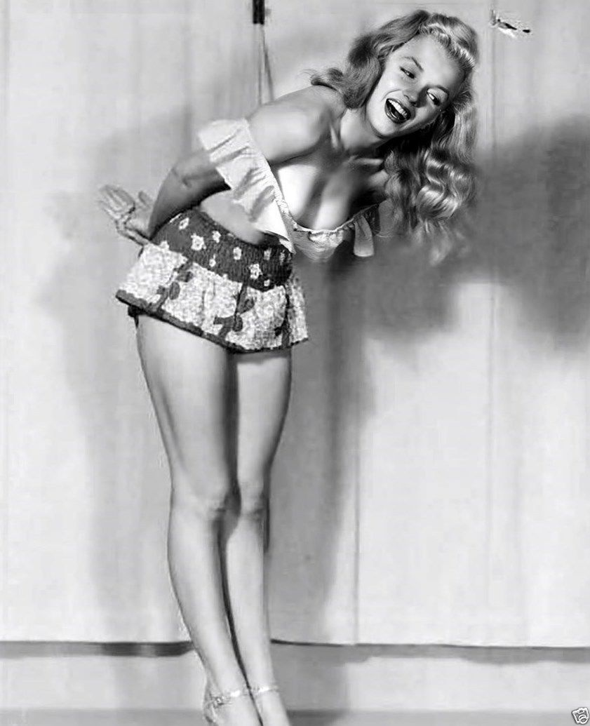 MARILYN MONROE Bent Over Pinup Smiling Cheesecake Rare 8x10 Photo ...