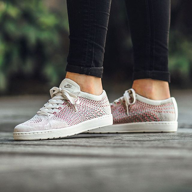 the best attitude 3ea81 9700a adidas - PW Tennis HU W (weiss  rosa) - DB2558  girl sneakers for spring  in 2019  Adidas, Girls sneakers und Trainers