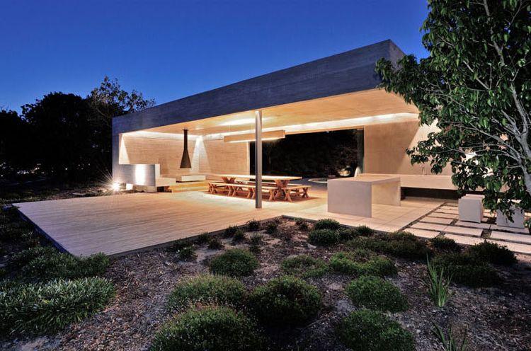 modern und funktional konzipierter Gartenpavillon aus Beton ...