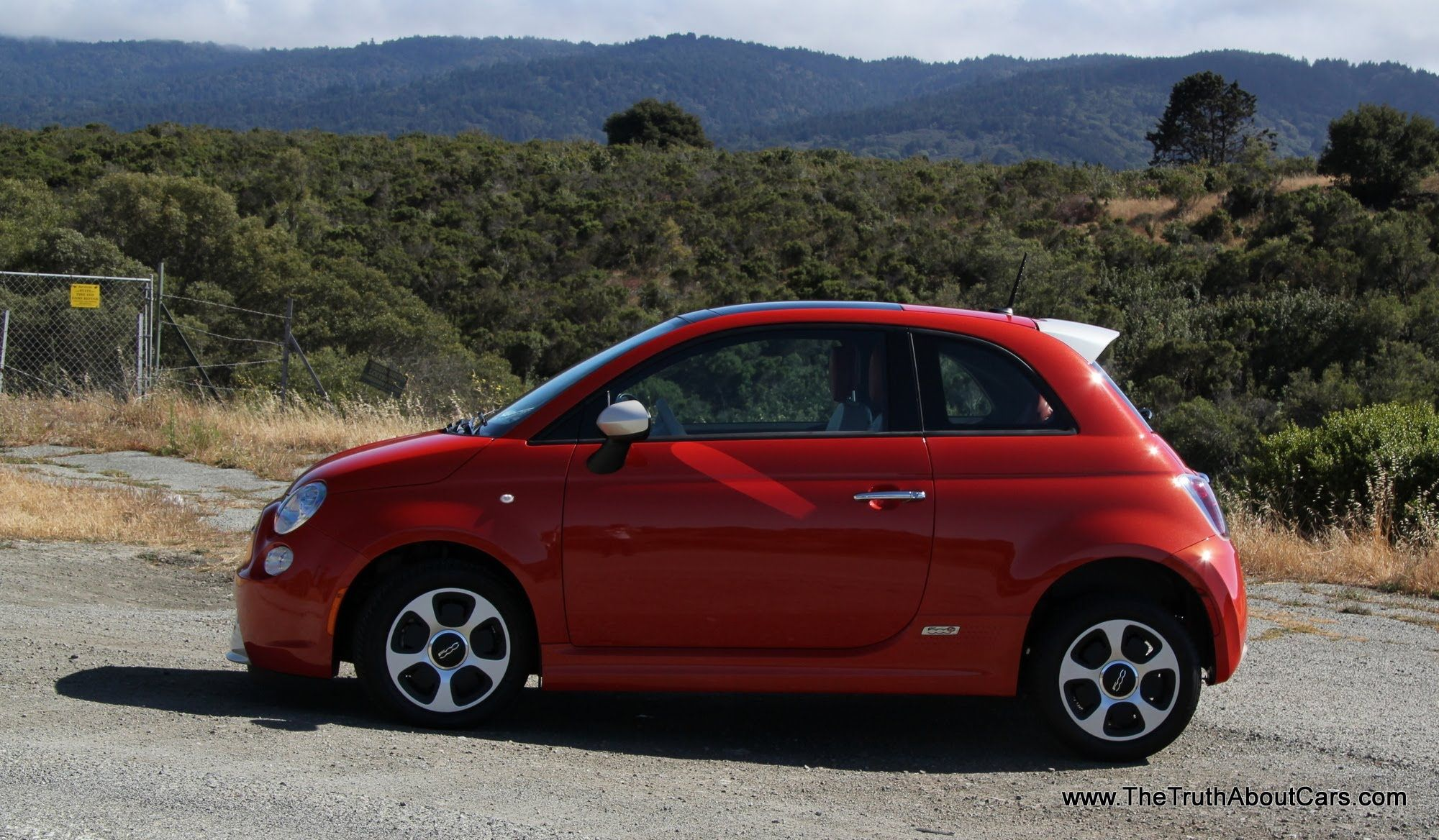 2013 Fiat 500e Electric Review and Road Test Statistics powered by