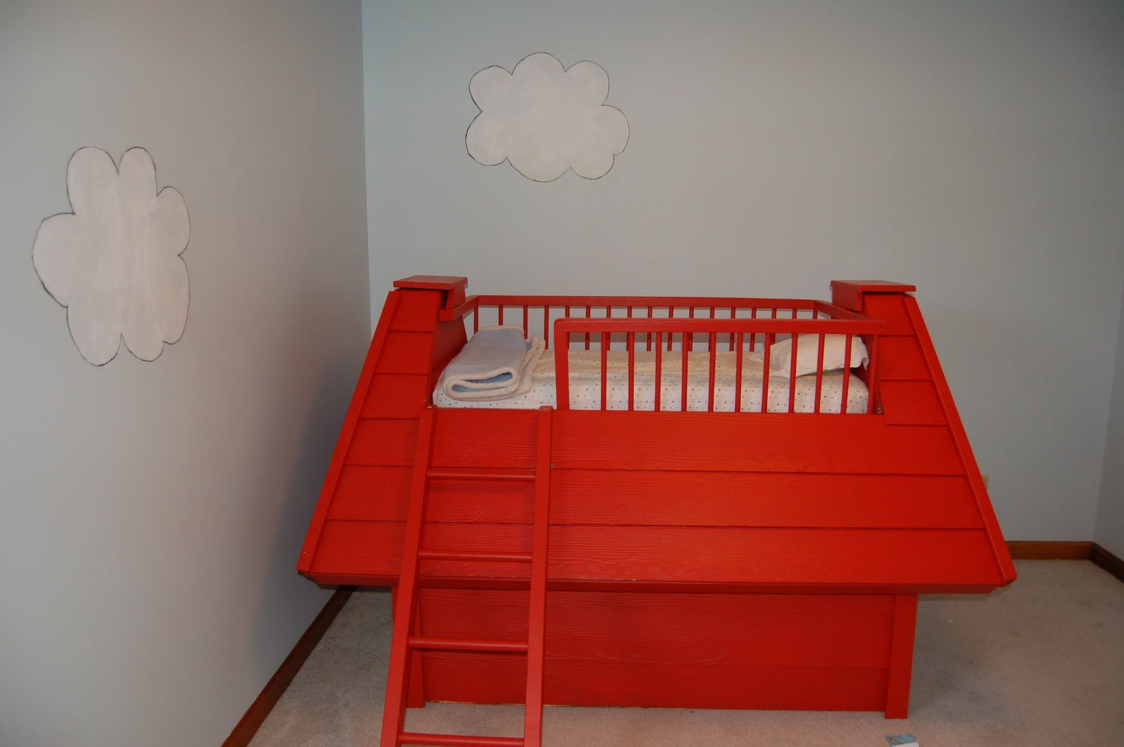 snoopy bed for kids room