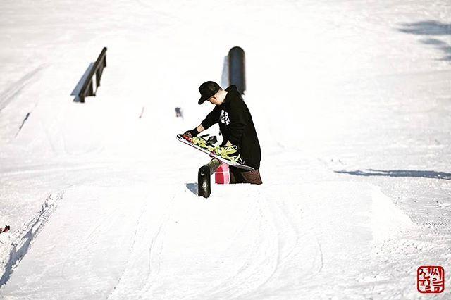 이렇게 걸면 될라나ㅡㅡ?💀🔥👊 #무장전선 #지산 #레일 #연구중 #snowboarding #Jib #TFOA 📷 by #전씨필름