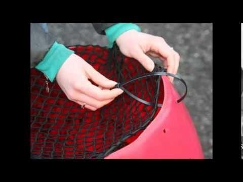 Wonderbaar Zelf een slowfeeder maken? Slowfeeder DIY   Horse Stables & Arena KX-07