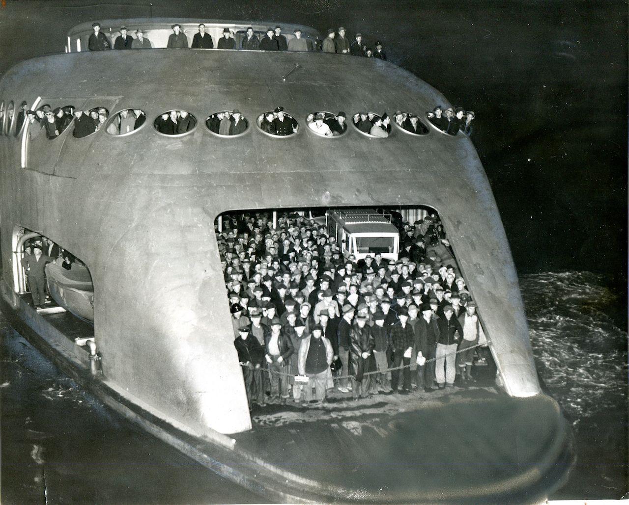 Ferryboat Kalakala Seattle 1941 [1280 x 1029]
