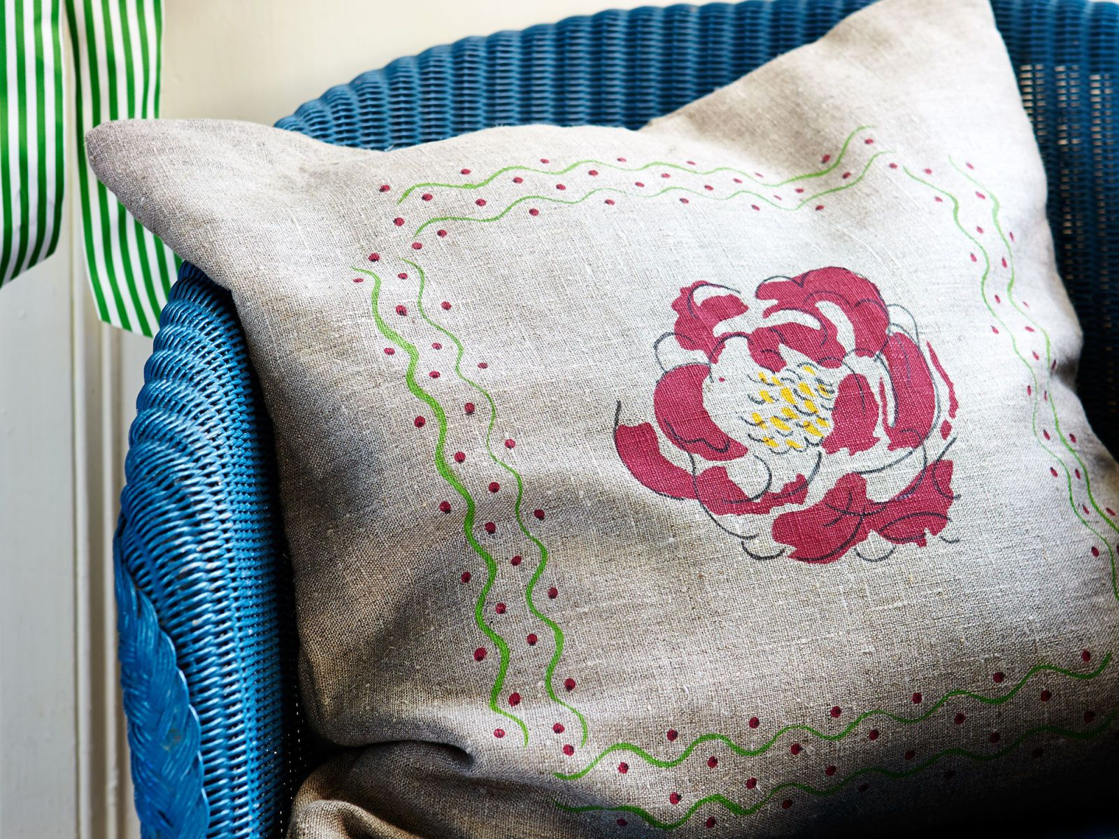 Make your own stencilled peony cushion cover - countryliving.co.uk