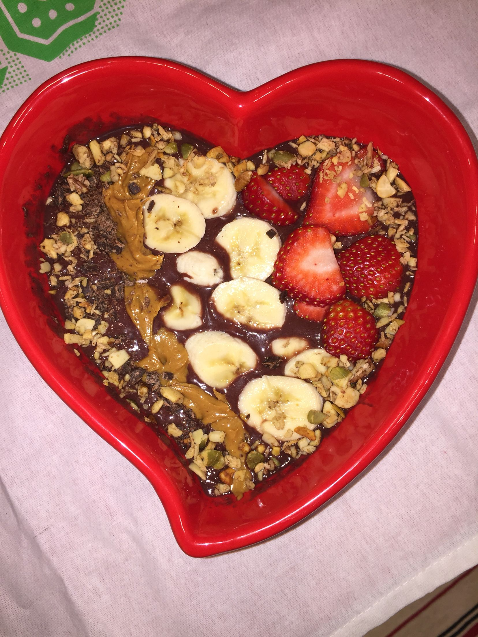 Ksenia from Breakfast criminals gifted me this awesome bowl- naturally the first thing I used it for was an amazing breakfast! Acai, banana, strawberries, peanut butter, cocoa nibs and granola!