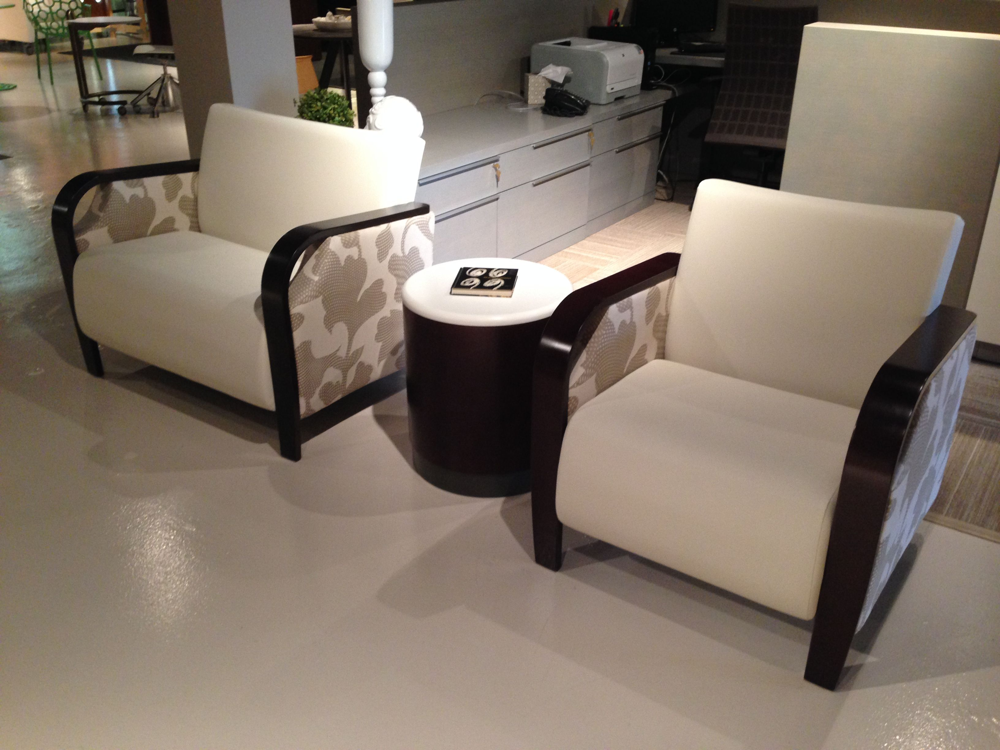 Pleasing New Showroom Samples In Dallas Krug Cressida Lounge Seating Evergreenethics Interior Chair Design Evergreenethicsorg