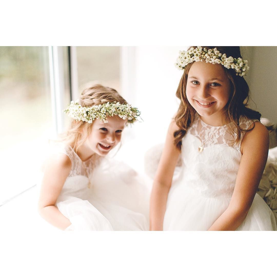 nice vancouver wedding  flower girls! #flowercrown #waxflower #theflowercollective #vancouverflorist #flowergirls #spicyandkirz by @theflowercollective  #vancouverflorist #vancouverwedding #vancouverwedding
