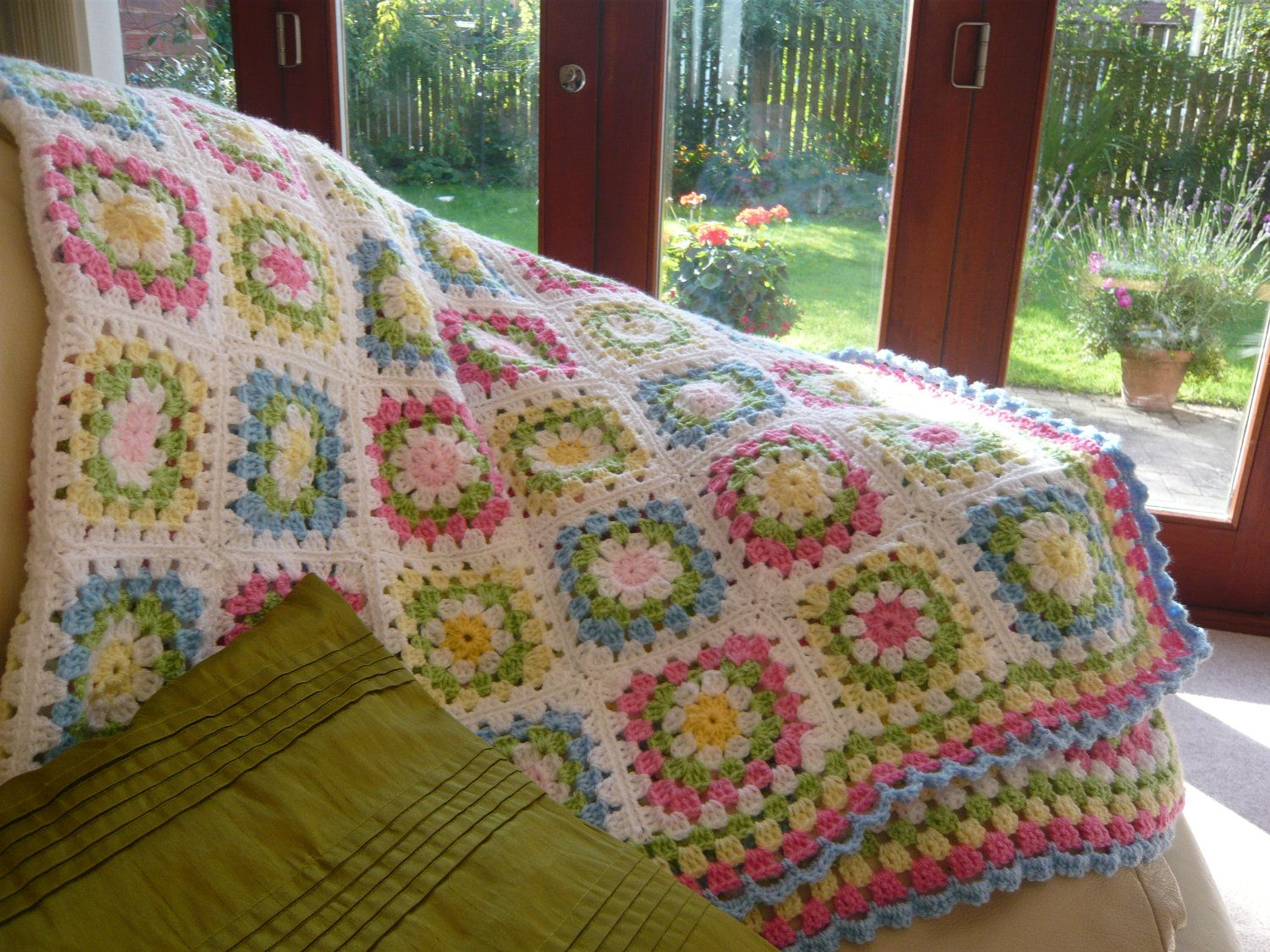 "CROCHET PATTERN PASTEL SQUARES BLANKET//THROW ONE SIZE 42/"" SQUARE"