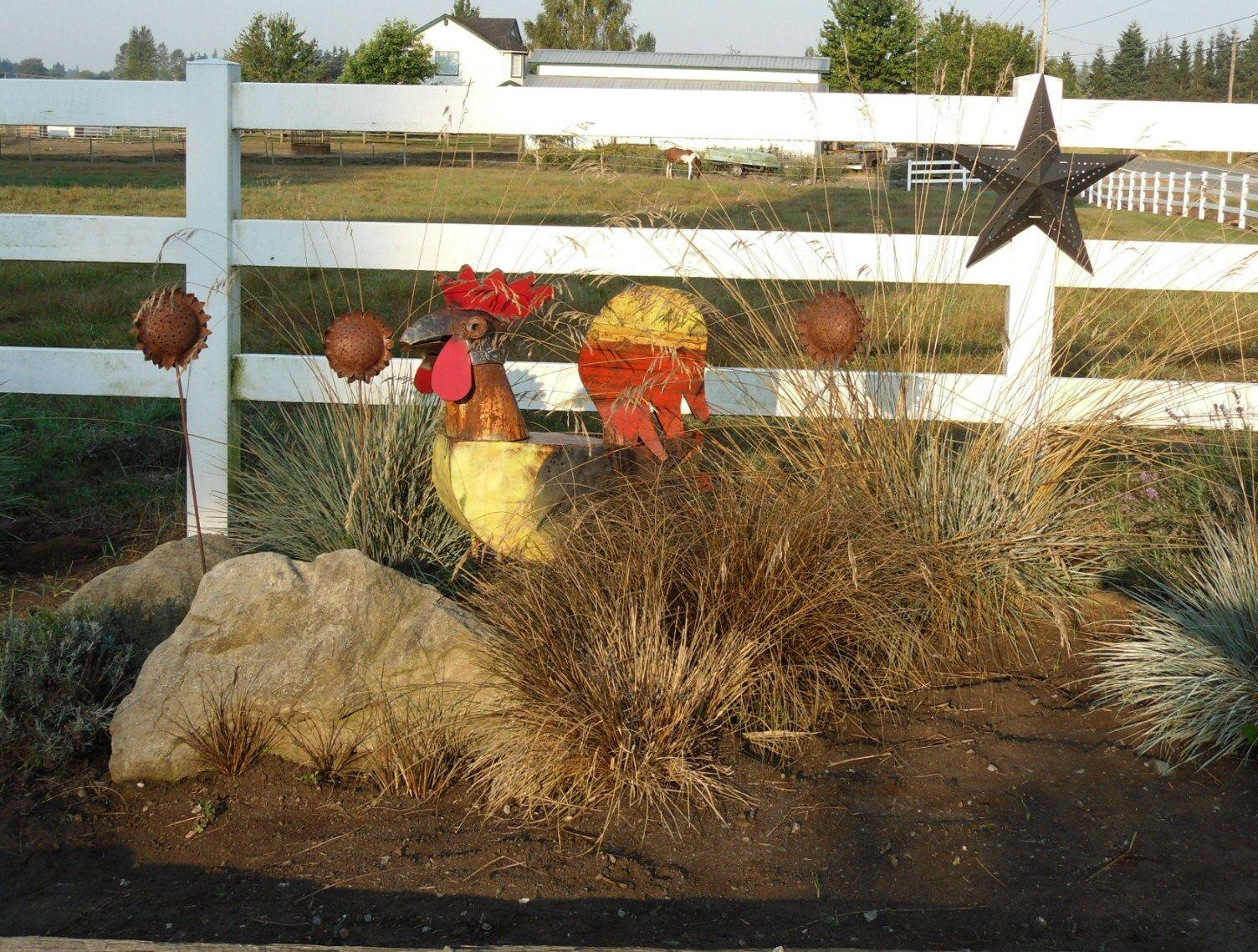 Love my recycled tin rooster | Gardening ideas | Pinterest | Garden ...