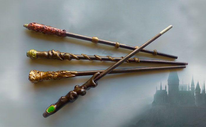 Revive El Universo De Harry Potter Con Este Tutorial Tan Mágico Varitas Mágicas Diy Wands Tutor Harry Potter Harry Potter Accesorios Barita De Harry Potter