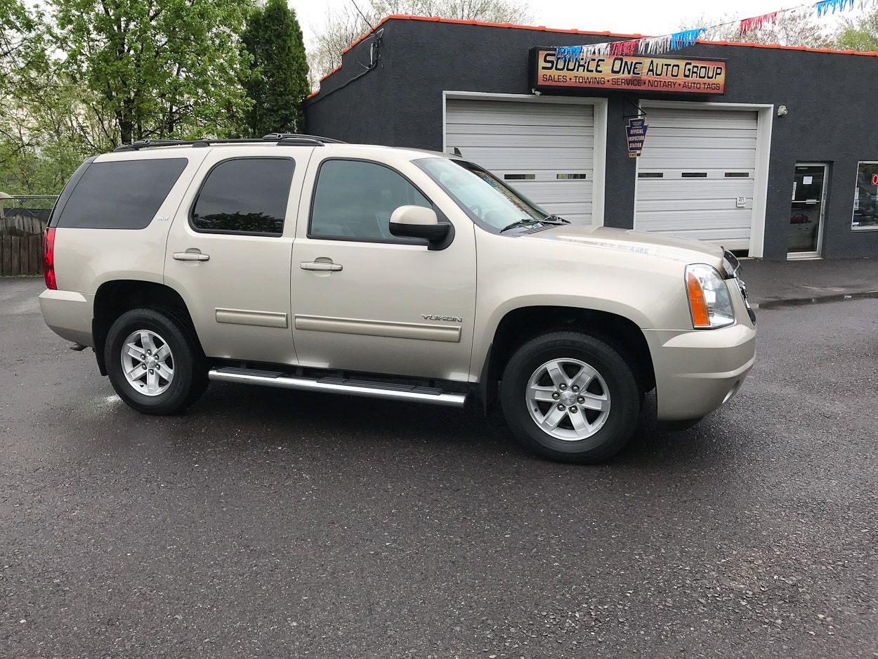 This 2013 Gmc Yukon Slt 4wd Is In Like New Condition Inside Out