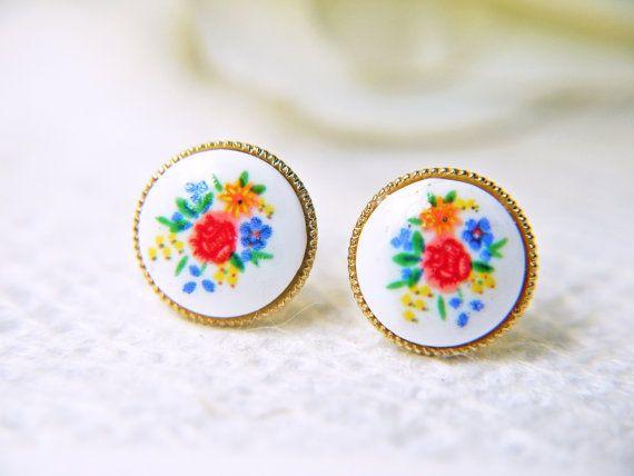 Vintage Flower Cabochon Earrings Gold Setting Stud by KaoriKaori, $13.00