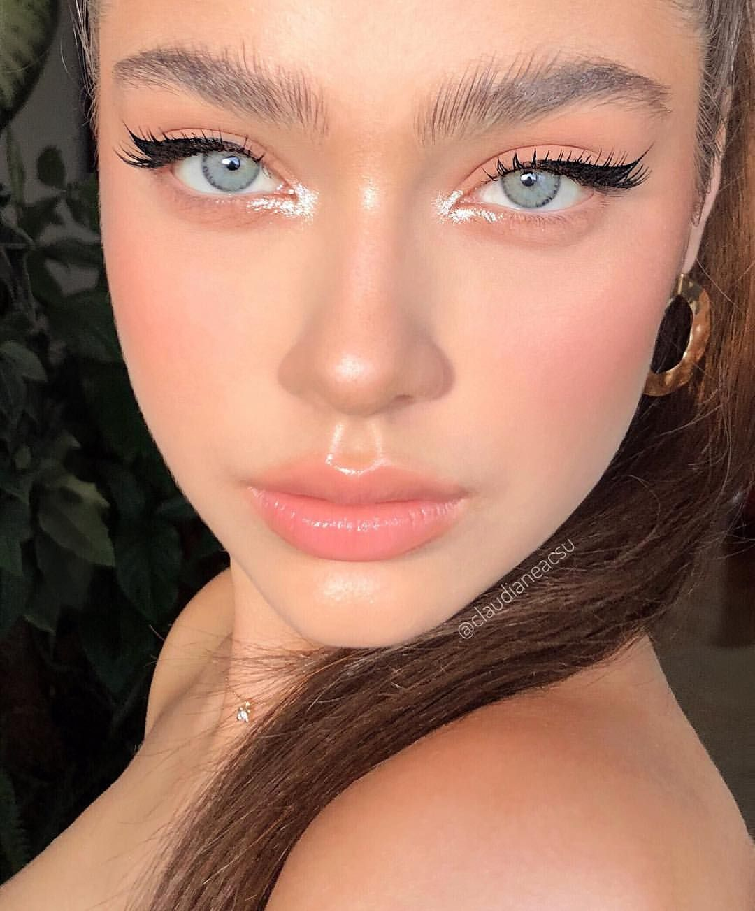 25 2k Likes 179 Comments Claudia Neacsu Claudianeacsu On Instagram Simplicity Is My Thing In Cadrul Masterc Makeup Looks Beauty Makeup Pretty Makeup