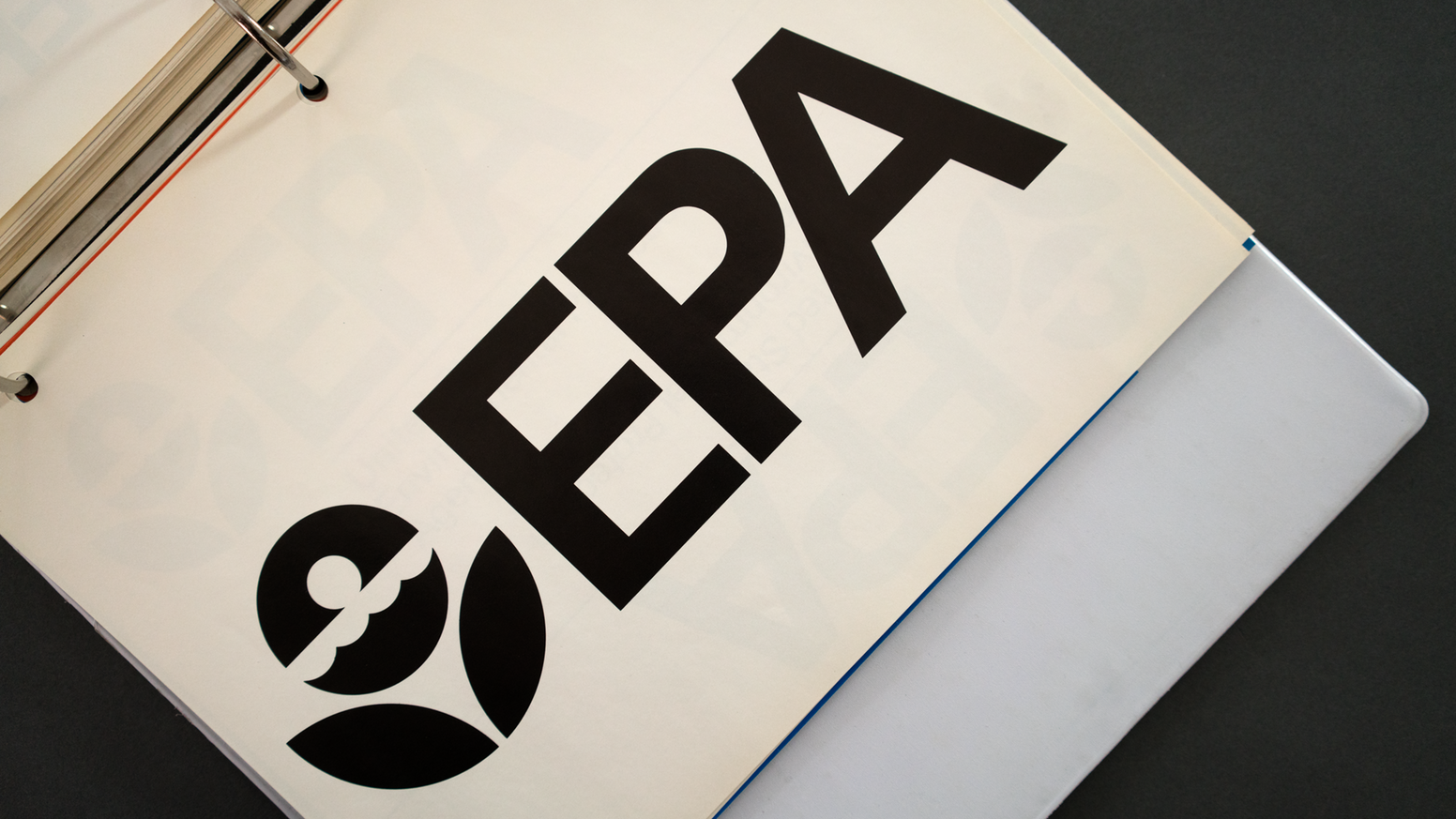 It Would Be Great To See This 1977 Epa Graphic Standards System Come To Life Http Buff Ly 2q2fqiz Utm Conten Graphic Design Books Book Print Letterhead Logo