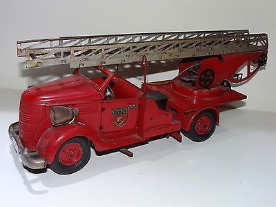 jouet ancien camion pompier vebe tole luxe tin clockwork. Black Bedroom Furniture Sets. Home Design Ideas