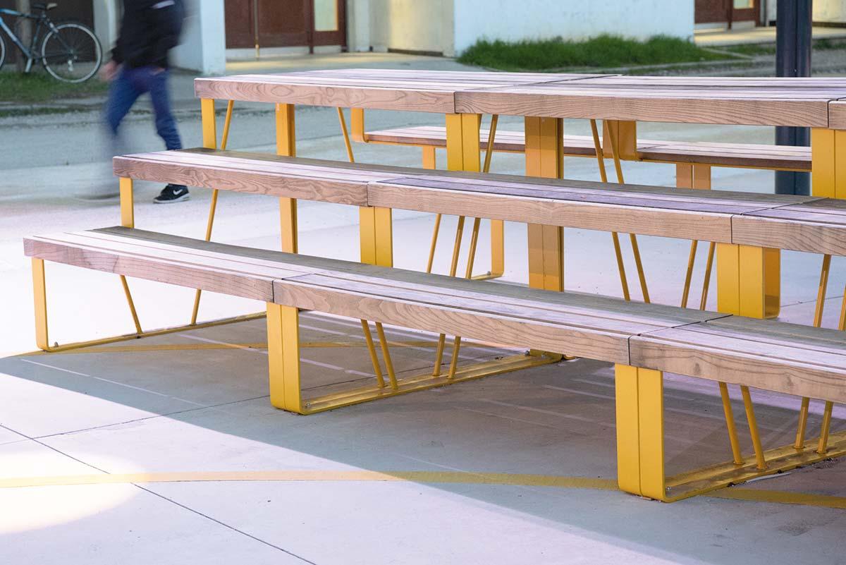 Table Bois Metal Exterieur atlantique | decoration exterieur, gradins, mobilier urbain