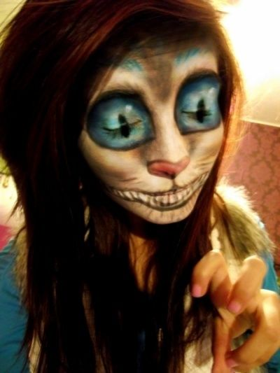 Cheshire cat makeup, Halloween maybe? Not gonna lie, this scared the - cat halloween makeup ideas