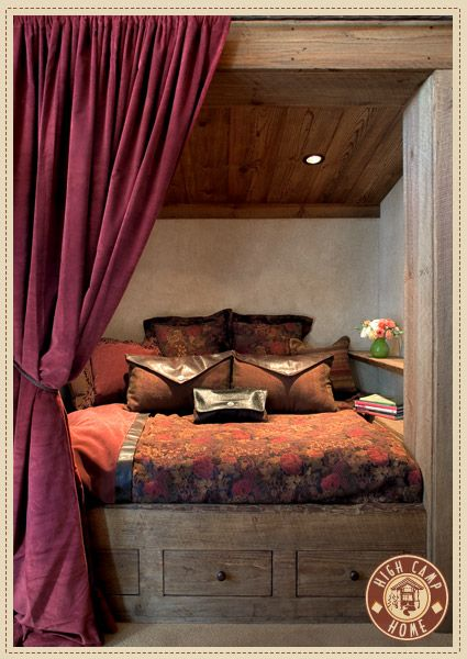 What a cozy bed!!