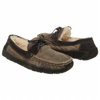 358bcf11dbc UGG Byron Slippers (Bomber Chocolate) - Men's UGG Slippers- 9.0 M ...