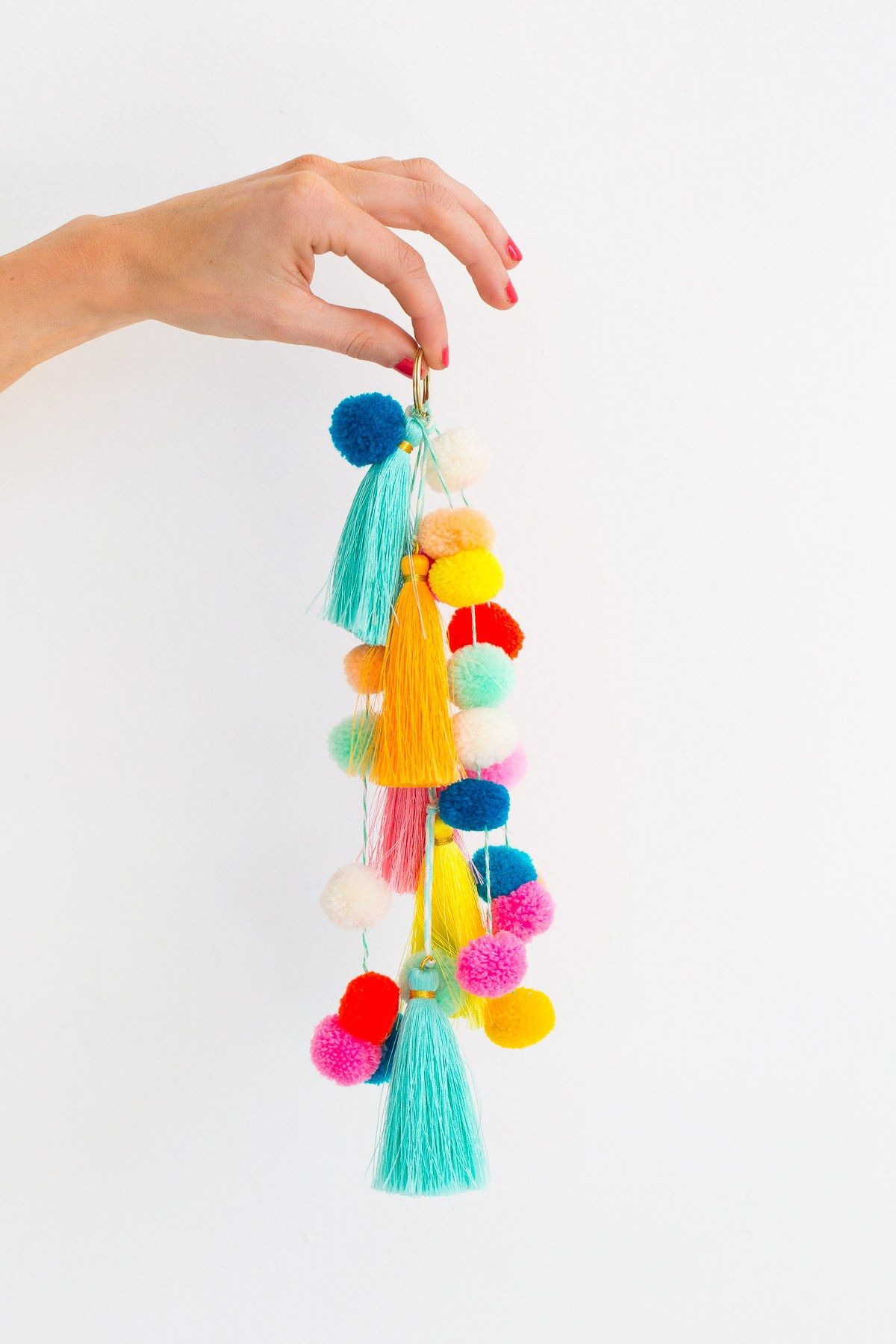 Make A Statement This Summer With Our Diy Pom Pom Tassel Circle Pool