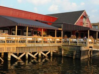 Restaurants Port Washington Ny Louies Oyster Bar Grille