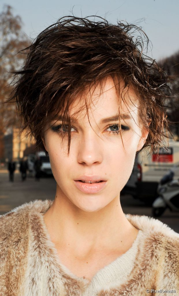 Wet Look Pixie How To Style It Starting With Dry Hair Apply A Small