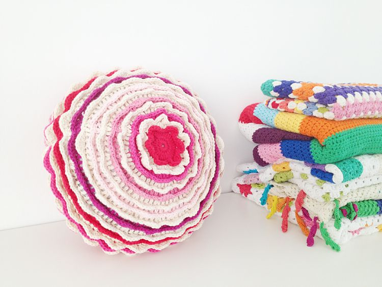 Ravelry Blooming Flower Cushion Pattern By Lucy Of Attic24 Yarn