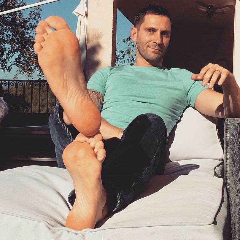 Male foot worship tumblr