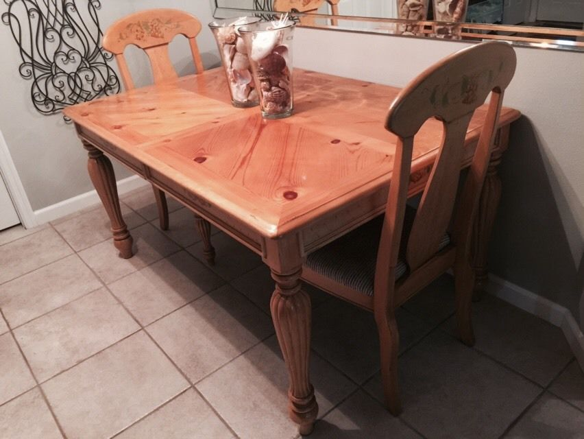 FRENCH COUNTRY Dining Table ~ Draw Leaf- With 4 Chairs, Beautiful Set!!! #FrenchFrenchCountry