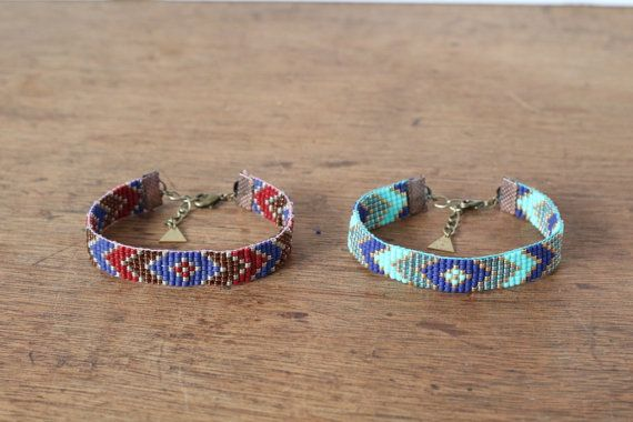 Bracelet tissé main en perles Peyote motif chevrons par ChocLace
