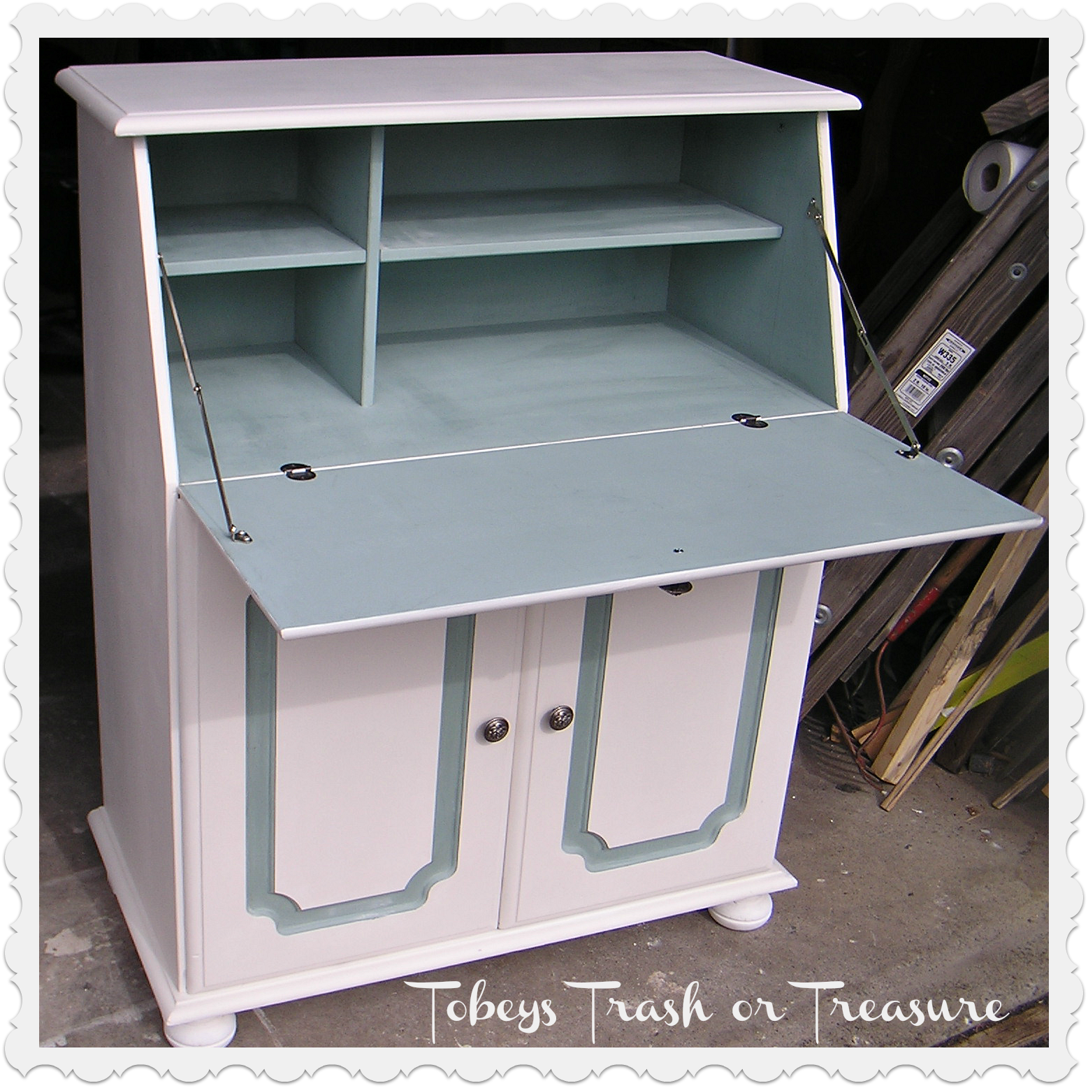 Pine desk given a new look with Annie Sloan pure white and duck egg blue chalk paint
