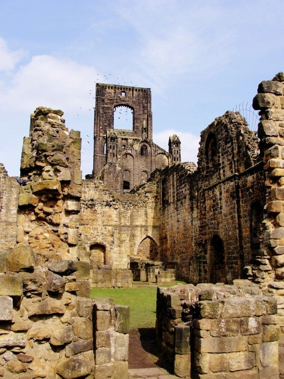 10 Interesting Places to go in Leeds, England: Kirkstall Abbey | The College Tourist