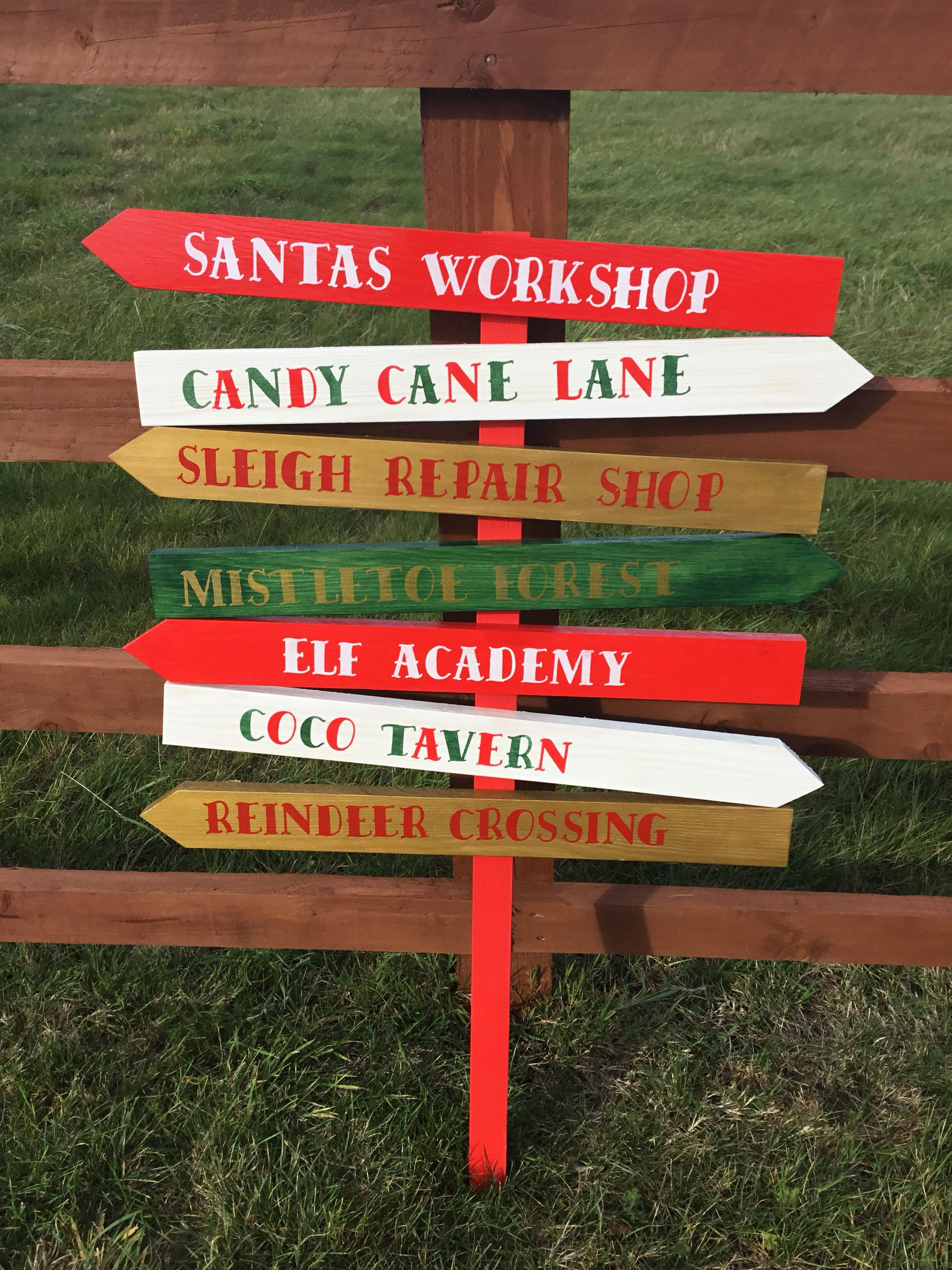 Directional Christmas sign post. The set comes with 7