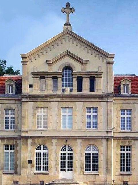 Le chateau de ladoucette - Drancy - Wikipédia