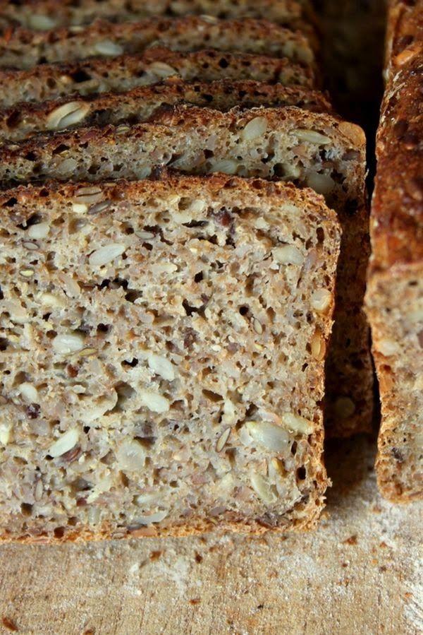 KAMAU: Saftiges Roggenschrotbrot | Brood - Banana bread ...