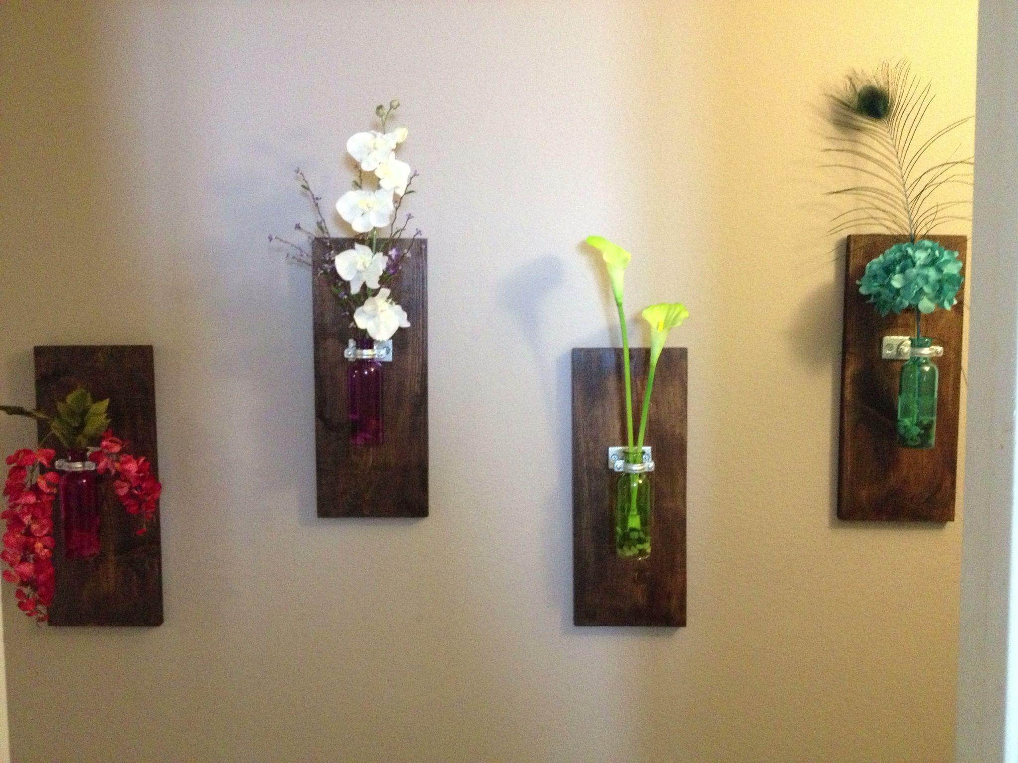 DIY wall hanging vase I made this weekend. Hallway looks good!