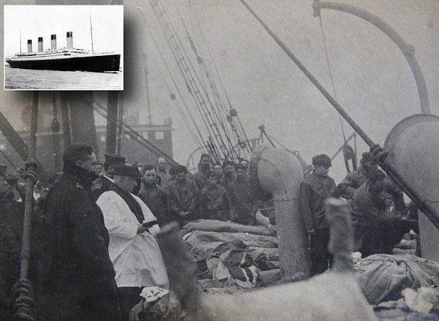 TITANIC DISASTER PHOTO   This haunting black and white