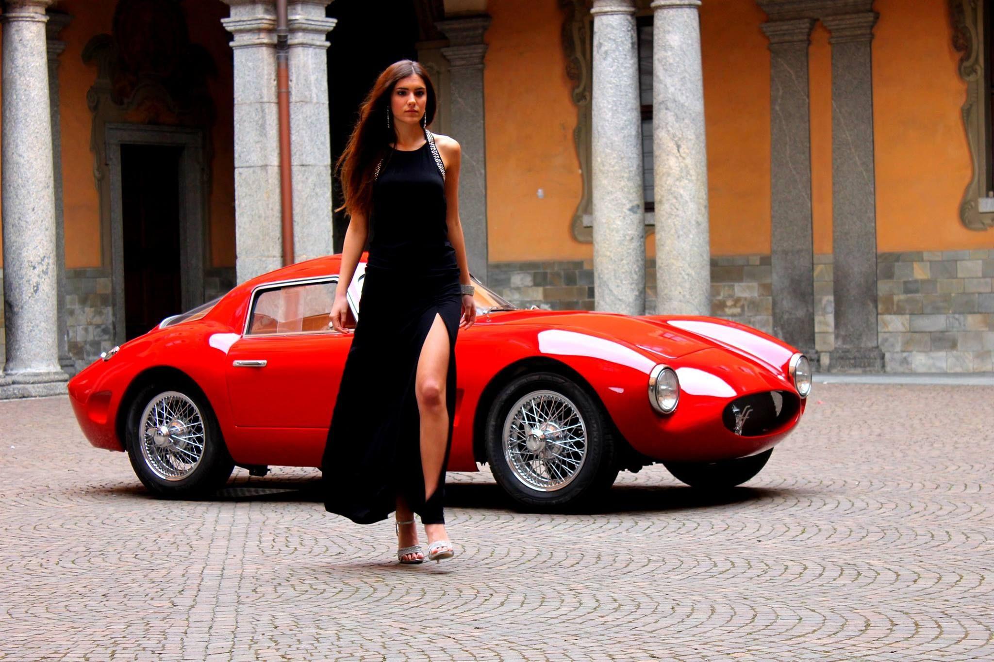 Two beauties caught in e Frame Effeffe Berlinetta