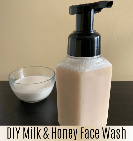 DIY Renewing Honey & Grapeseed Face Wash - Naturally Nourished Skin #homemadefacelotion