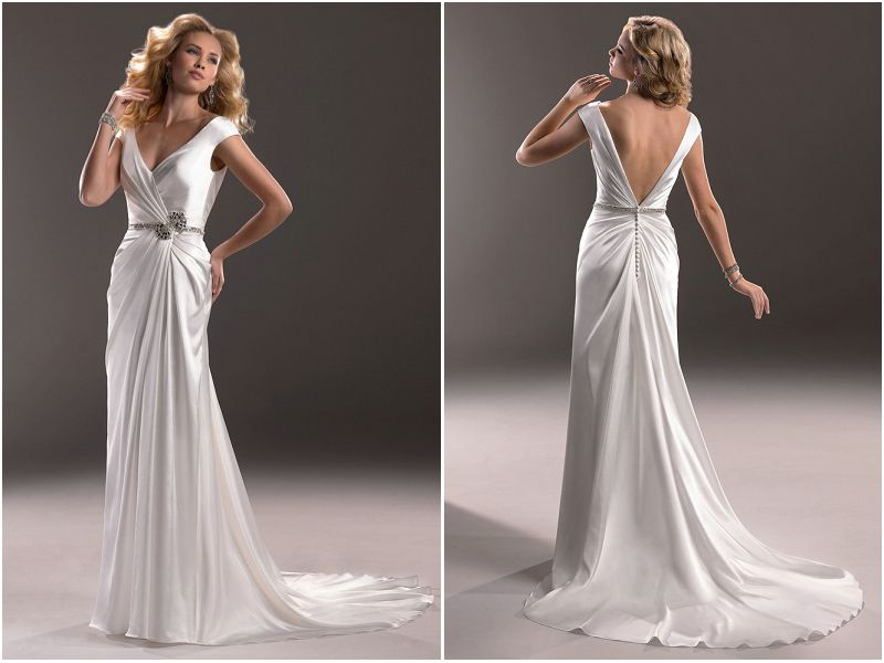If you are a fan of old hollywood fashion you will love for Hollywood glam wedding dress