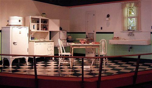 1930s Kitchen | 1930s kitchen, Kitchen designs photos and Kitchen design