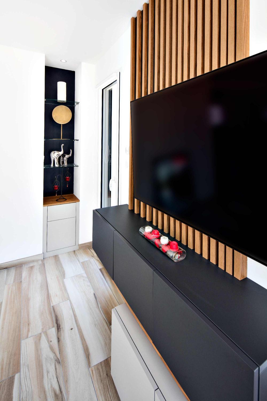 Meuble Tv Tasseaux Et Caissons Suspendus Compagnie Des Ateliers En 2020 Deco Meuble Tv Deco Meuble Tele Meuble Tv